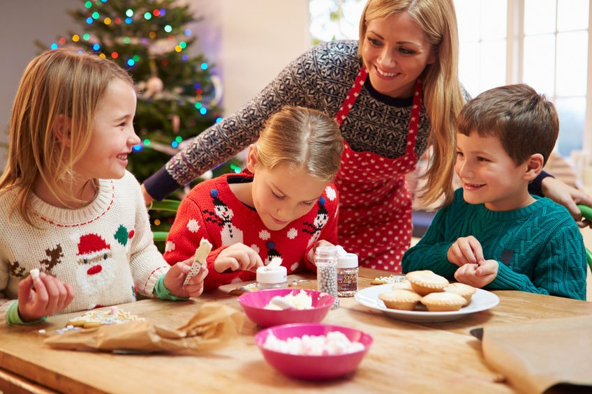 How to Throw a Kid-Friendly Holiday Party